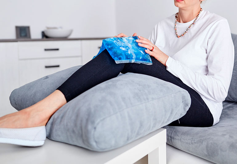 between knee pillow